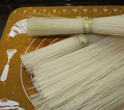 Спагетти с креветками в сливочном соусе Тонкости и секреты блюд приготовленных на основе спагетти